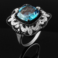 Sortija. Oro blanco 18K, rodio negro